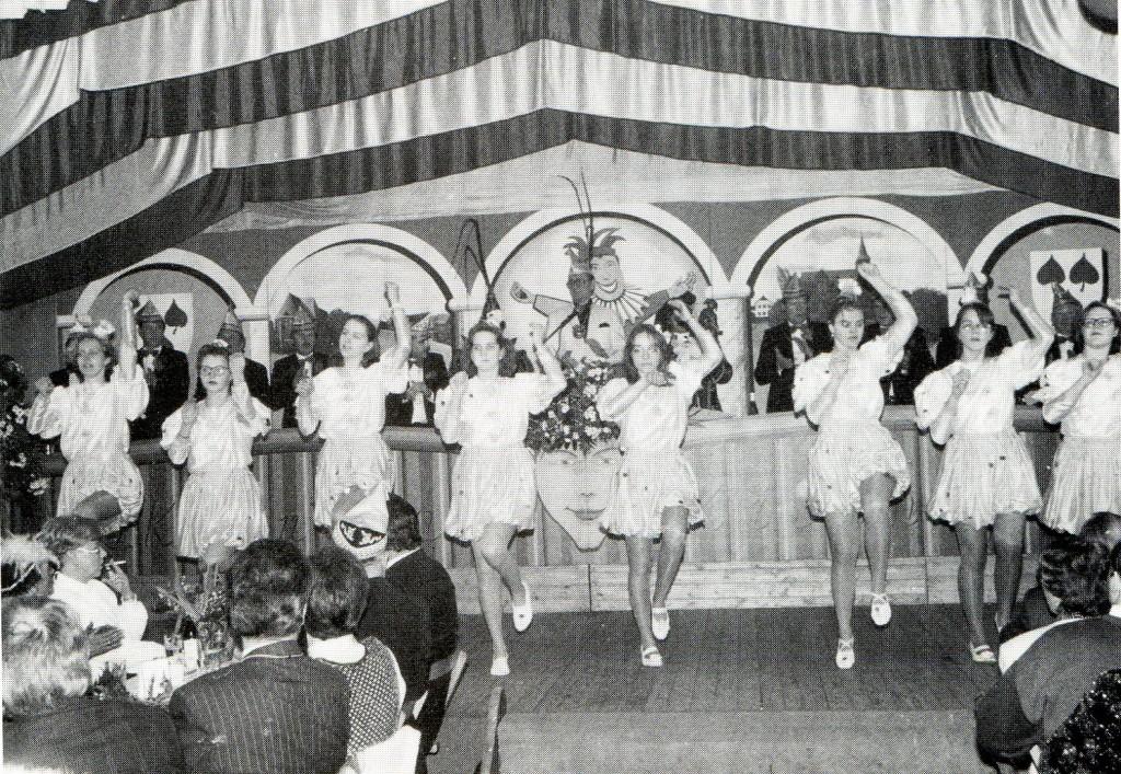 Sie kamen trotz der Golfkrise nicht aus dem Rhythmus: Die Church Play Dancing Girls